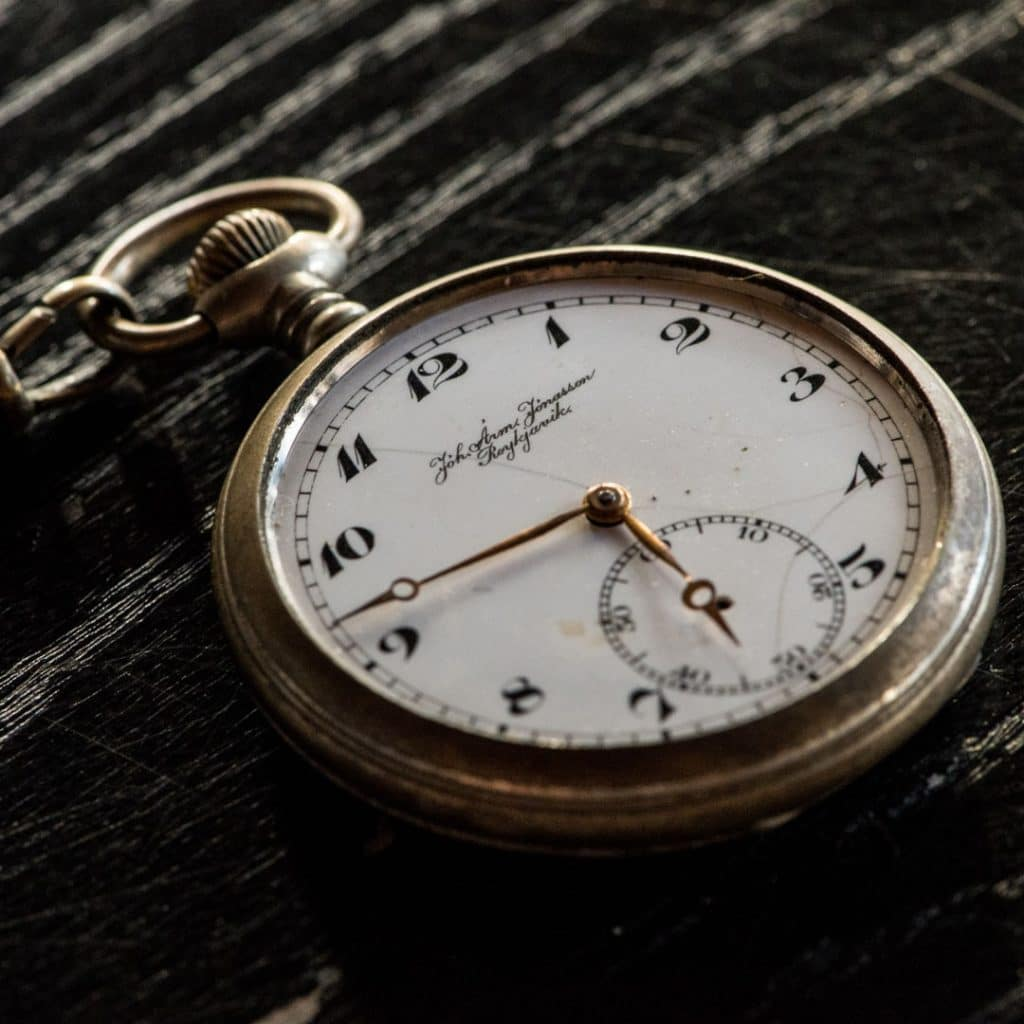 Pocket watch glass replacement