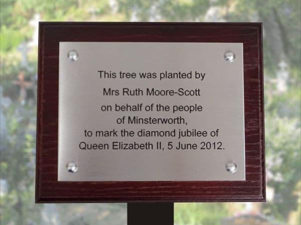 Tree plaque memorial
