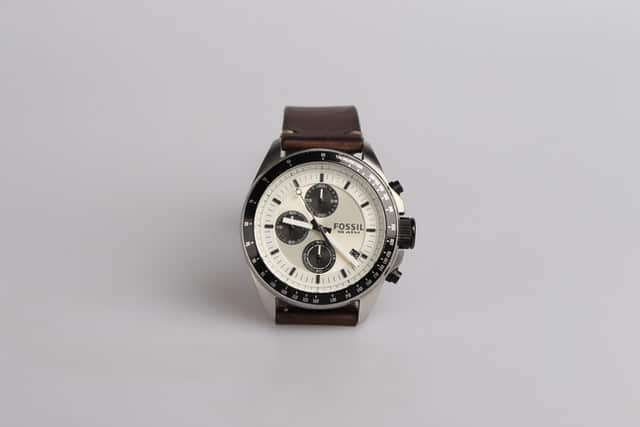 Fossil watch repair services