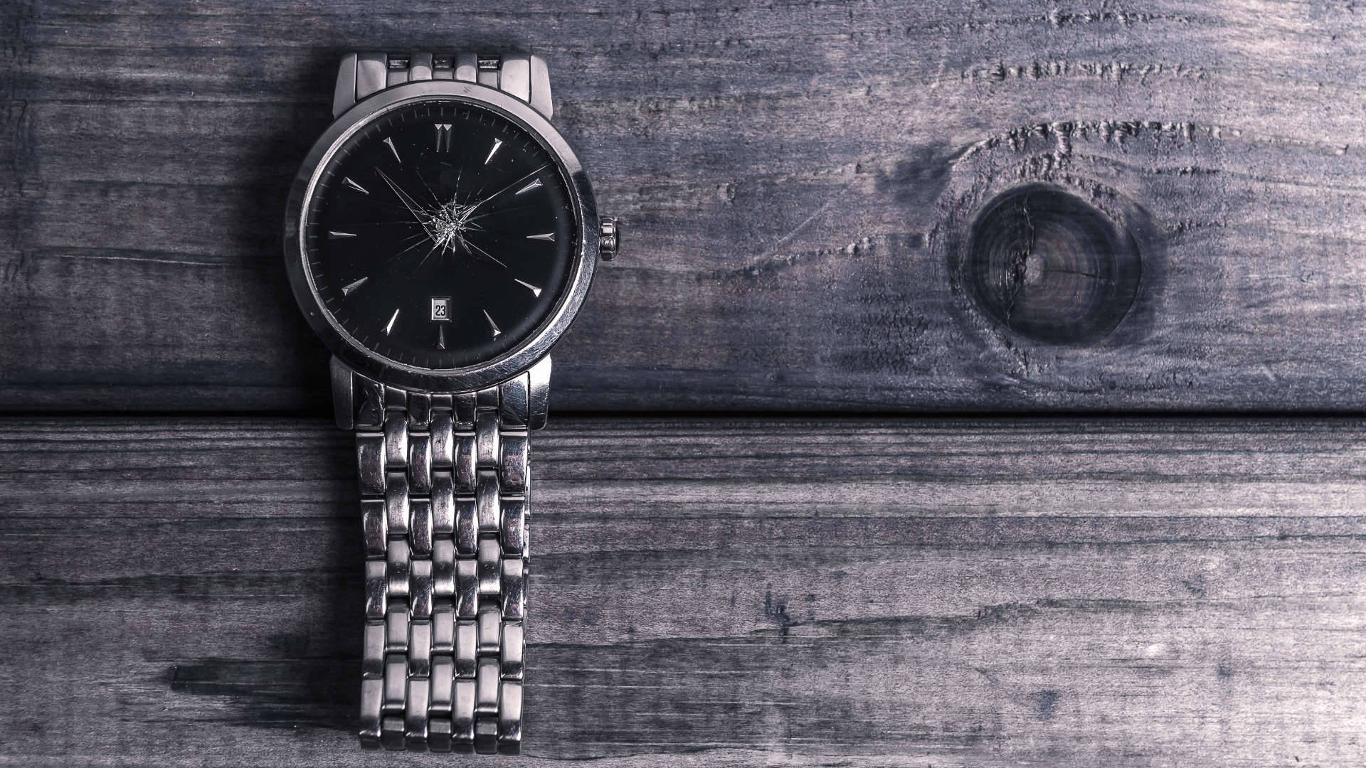 Broken watch glass needing replaced for customer in East Kilbride